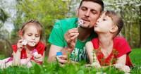 7 Tanggung Jawab Mengasuh Anak Sebaik Mama Alihkan Papa