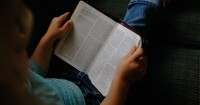7. Sering-seringlah membaca