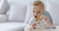 Perkembangan Bayi Usia 6 Bulan 1 Minggu: Saatnya Mencoba Makan MPASI