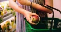 5. Melibatkan anak dalam berbelanja