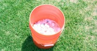 4. Perhatikan suhu air waktu merendam