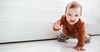6 Alasan Kenapa Tahapan Merangkak Penting bagi Bayi