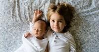 2. Libatkan si Kakak saat mengasuh adik