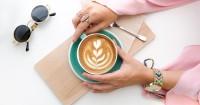 4. Batasi konsumsi kafein alkohol