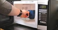 Sering Menggunakan Microwave Ini Cara Membersihkannya