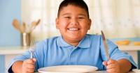 Tips Orangtua Mendampingi Anak Obesitas