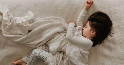 6 Cara Mengatasi Anak Susah Tidur di Malam Hari