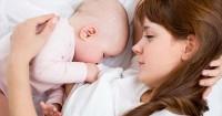 4 Syarat Penting Jika Bayi Disusui Langsung oleh Donor ASI
