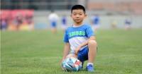 1. Ajarkan anak rutin melakukan olahraga