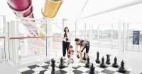 3. Permainan catur raksasa