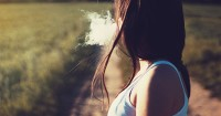 6. Mama seorang perokok