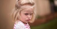 4. Melatih anak mengontrol emosi