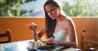 6. Makan tepat waktu