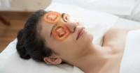 2. Tomat kaya vitamin kulit