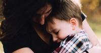 4. Bantu anak mengungkapkan perasaannya
