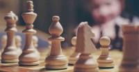 1. Permainan catur membantu anak berpikir kritis kreatif