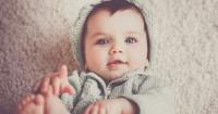 1. Dilihat kemampuan motorik bayi