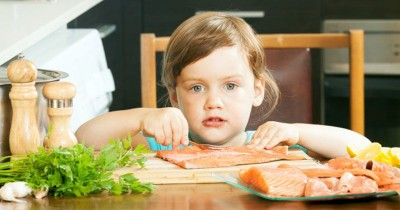 Simak 6 Panduan ini Sebelum Menyajikan Ikan untuk Anak, Ma