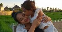 Hamil Hampir 42 Minggu Akhir Happy Salma Melahirkan Anak Kedua
