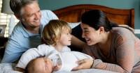 3. Memberikan tempat waktu bagi orangtua lebih dulu