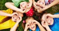 1. Mengajarkan anak bersosialisasi
