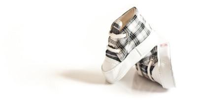 7 Tips Memilih Sepatu Batita