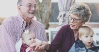 Kehidupan Orangtua Keterlibatan Nenek-Kakek
