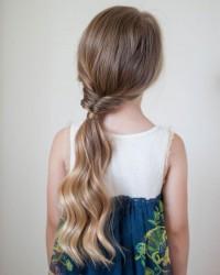 1. Ikat rambut variatif