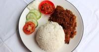 1. Makan makanan kaya protein