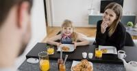 7. Menjaga kualitas hubungan bersama keluarga