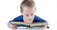5. Membiarkan anak malas membaca