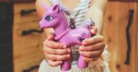 5. Anak suka ungu biasa berjiwa seni