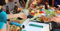 Tips Makan Luar Rumah agar Terhindar Alergi Makanan