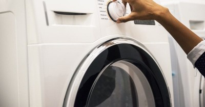 Cara Tepat Mencuci Pakaian Si Kecil