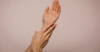 Ampuh Tingkatkan Libido! Ini 5 Cara Memuaskan Suami dengan Tangan