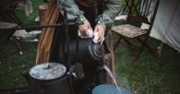 2. Gunakan air hangat