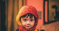 2. Kenalkan pakaian muslimah