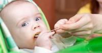 Waspada Memberi Makan Terlalu Banyak Bayi, Ini Tandanya