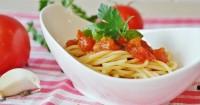 3. Spaghetti saus tomat