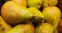 2. Buah-buahan berserat seperti pepaya hingga buah pir