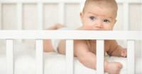 4 Langkah Harus Dilakukan Saat Bayi Jatuh dari Tempat Tidur