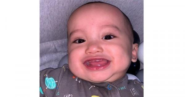 Xabiru Tumbuh Gigi Orangtua Wajib Tahu Ciri Tumbuh Gigi Si Kecil Popmama Com