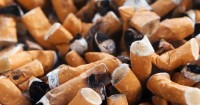 6. Hindarkan anak dari paparan asap rokok