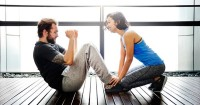 2. Rutin berolahraga dapat menjaga tubuh tetap sehat, meningkatkan mood, kesejahteraan