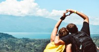 Manfaat Liburan Berdua Pasangan