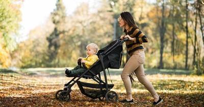 Jangan Asal! Stroller Bayi Harus Disesuaikan dengan Umur Anak, Lho!