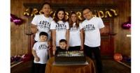 2. Keluarga Asix tampil kompak
