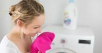 4. Tambahkan pewangi pakaian cucian