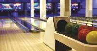 4. Main bowling bersama suami