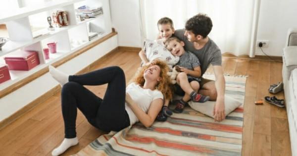Desain Ruang Tamu Tanpa Kursi  tentukan desain ruang keluarga dengan 5 pilihan desain berik